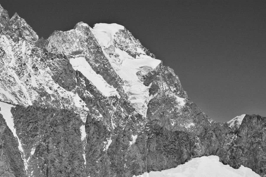 Grandes Jorasses from Punta Helbronner, 2010 July, bw
