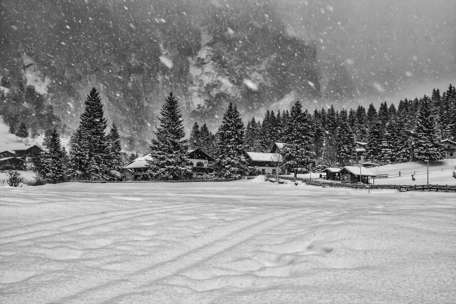 Nature landscape snowing mountains village Austria (8279714859)