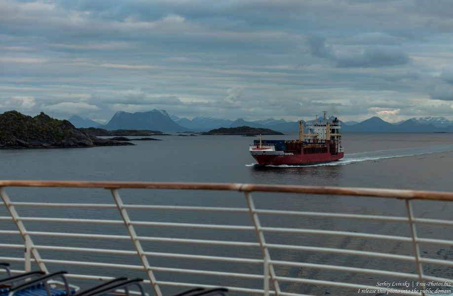 way from Svolvaer to Trollfjord, Norway, photographed in June 2018 by Serhiy Lvivsky, picture 9
