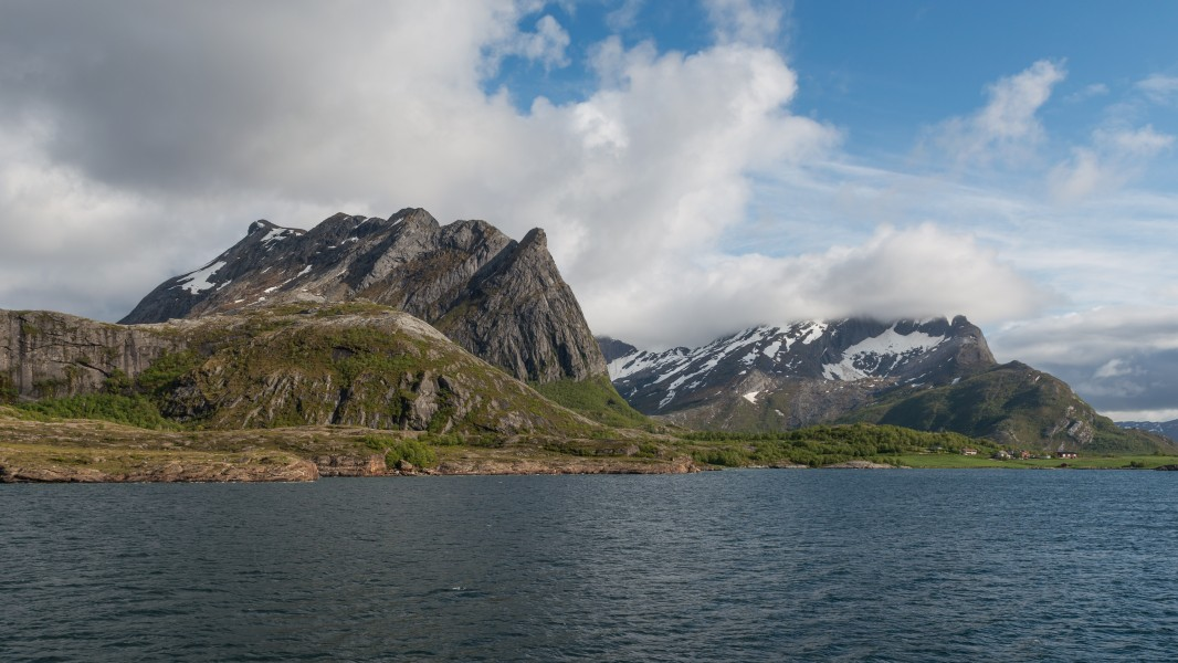 Coast and Mountains, as seen from the Kilboghamn-Jektvik Ferry 20150607 1