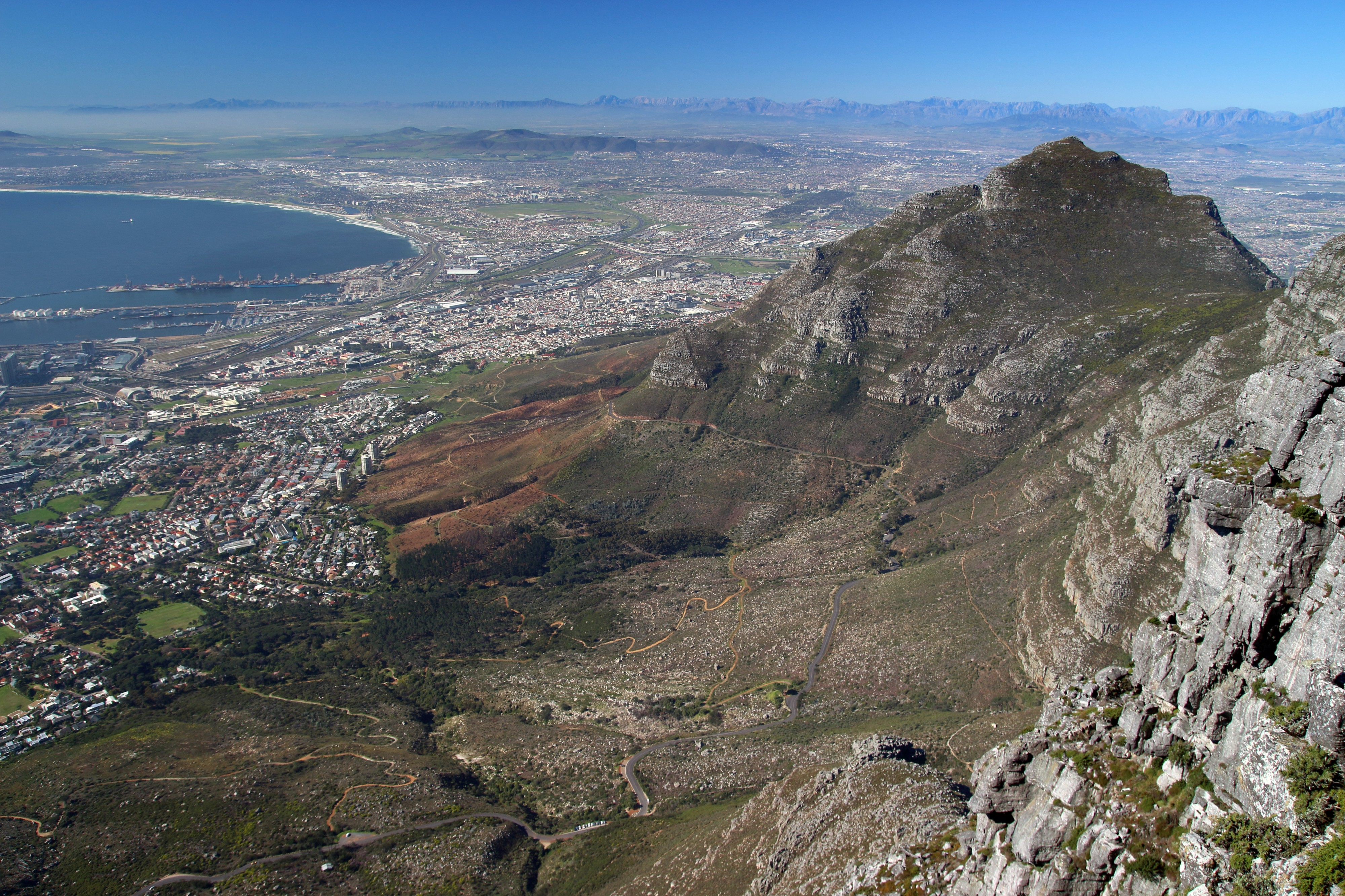 Table Mountain, Cape Town, South Africa (37002198605)
