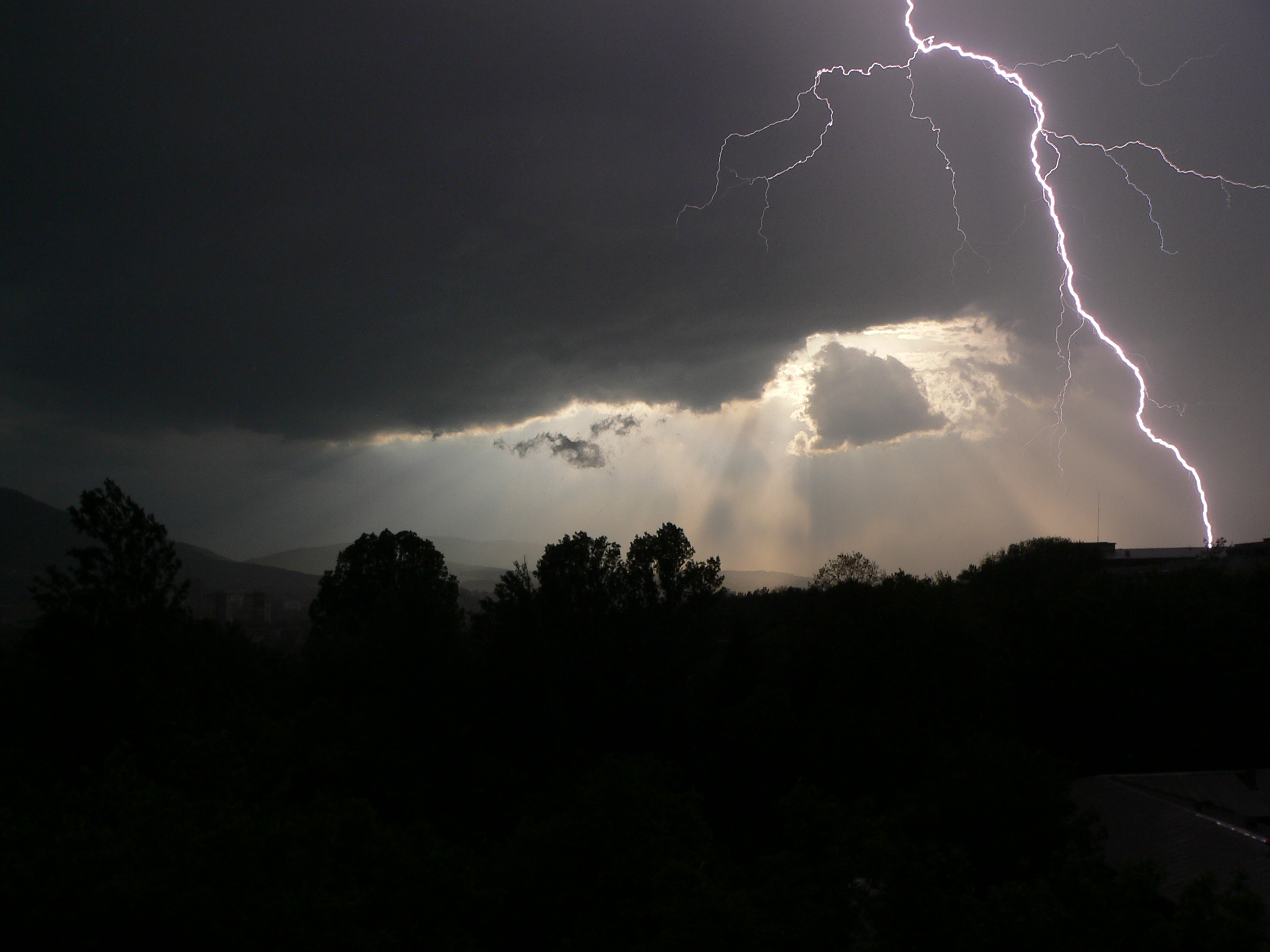 Lightning-over-Sofia