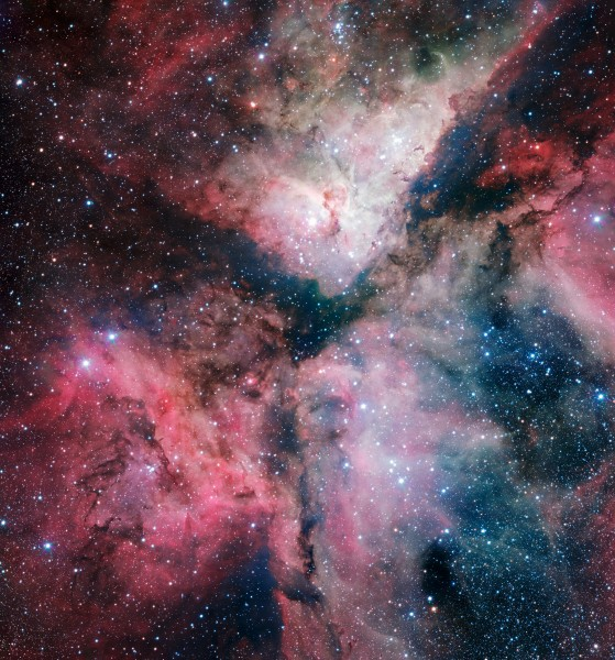 The spectacular star-forming Carina Nebula imaged by the VLT Survey Telescope