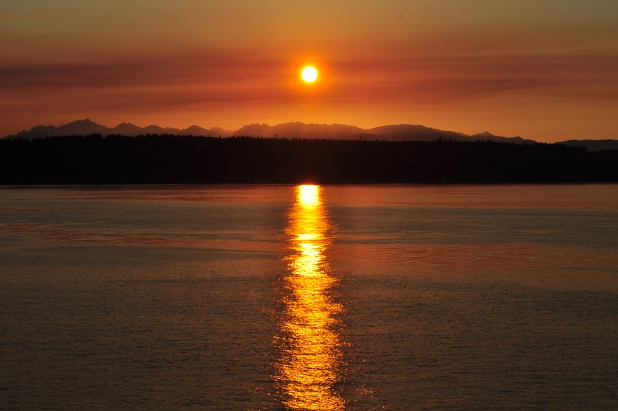 Sundown near Edmonds, Washington 02