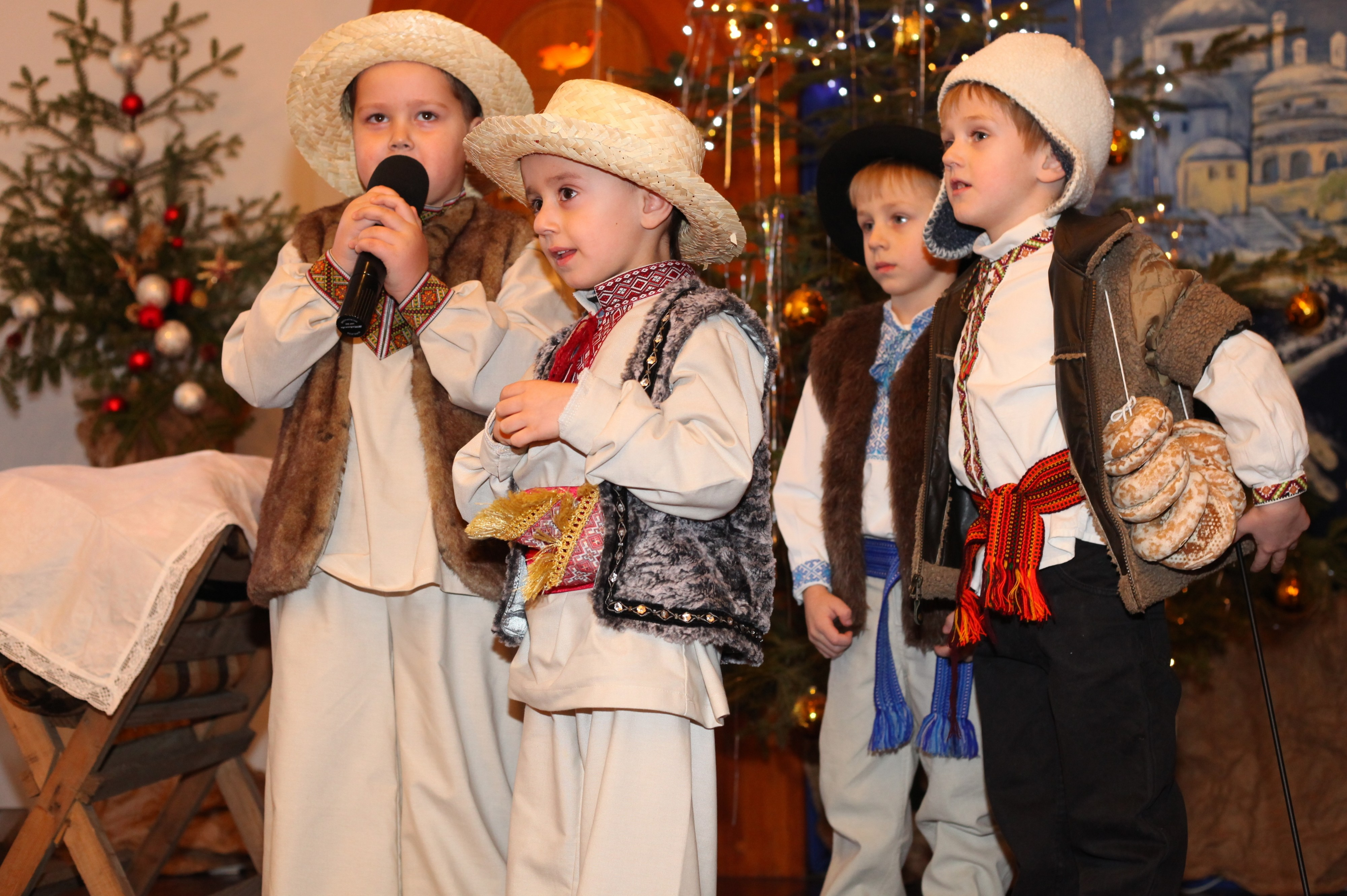 the nativity performance in a Catholic kindergarten, photo 2
