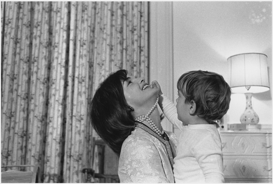 Mrs. Kennedy, John F. Kennedy Jr. White House, Mansion, Nursery. - NARA - 194247
