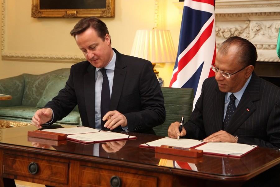 Prime Minister David Cameron with Prime Minister of Mauritius (7351065128)
