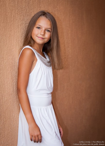 a twelve-year-old girl photographed in July 2015 by Serhiy Lvivsky, picture 6