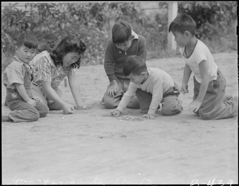 Arcadia, California. Like all youngsters in this country, children of Japanese ancestry enjoy a gam . . . - NARA - 537053