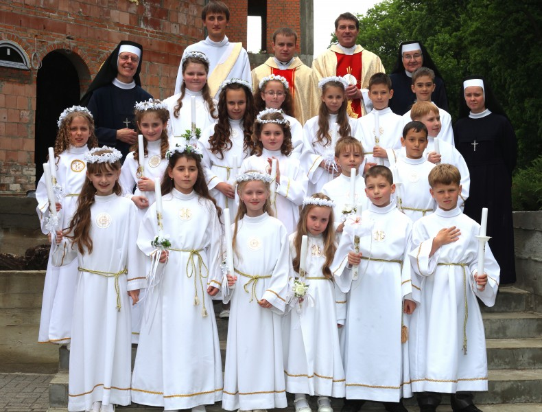 the first Holy Communion for children in May 2013, picture 4 out of 5