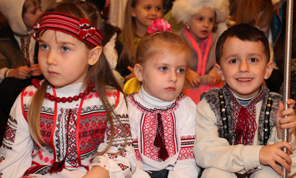 children in a Catholic kindergarten during the Christmas performance, photo 16