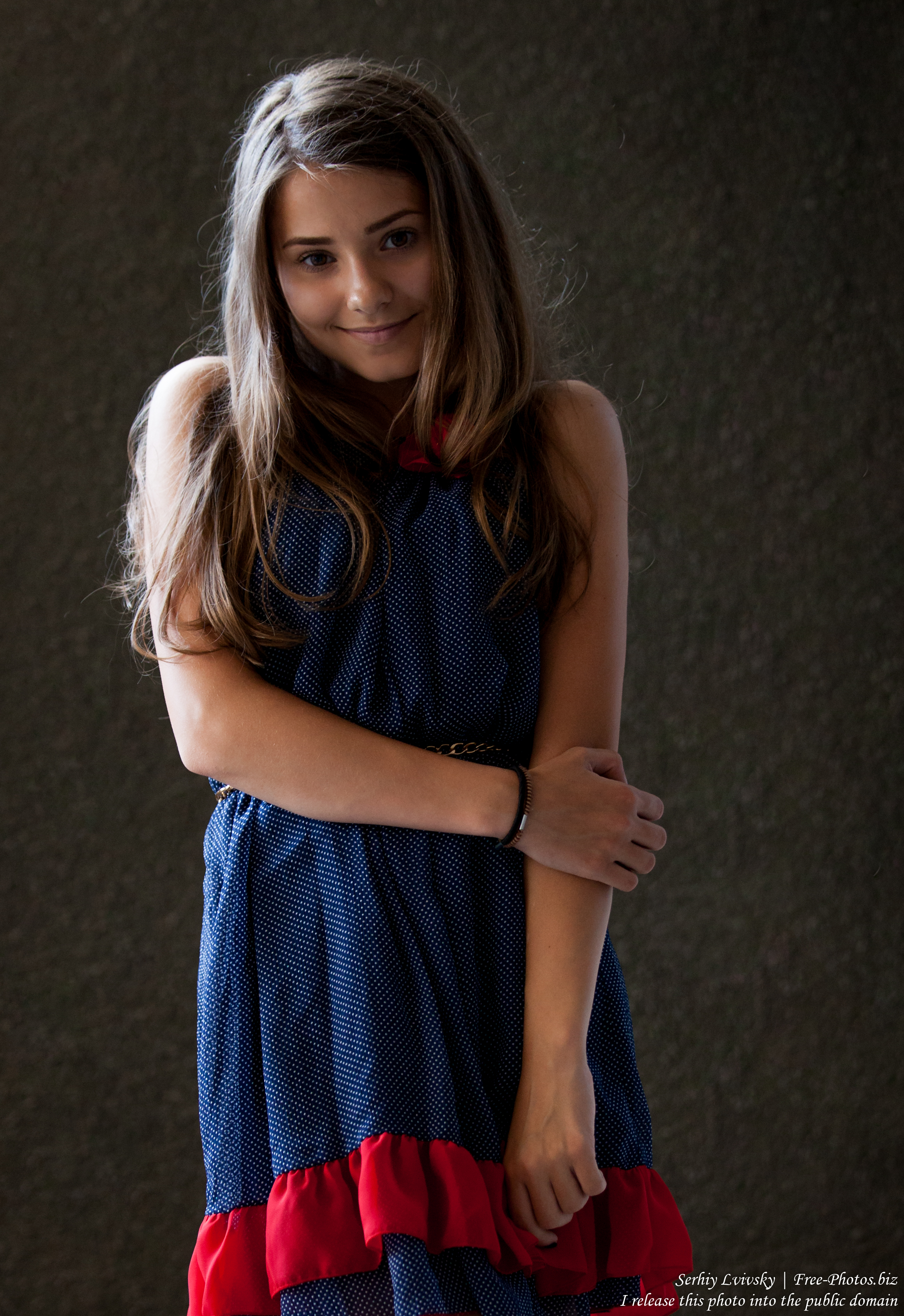 a 14-year-old brunette girl photographed in July 2015, picture 4