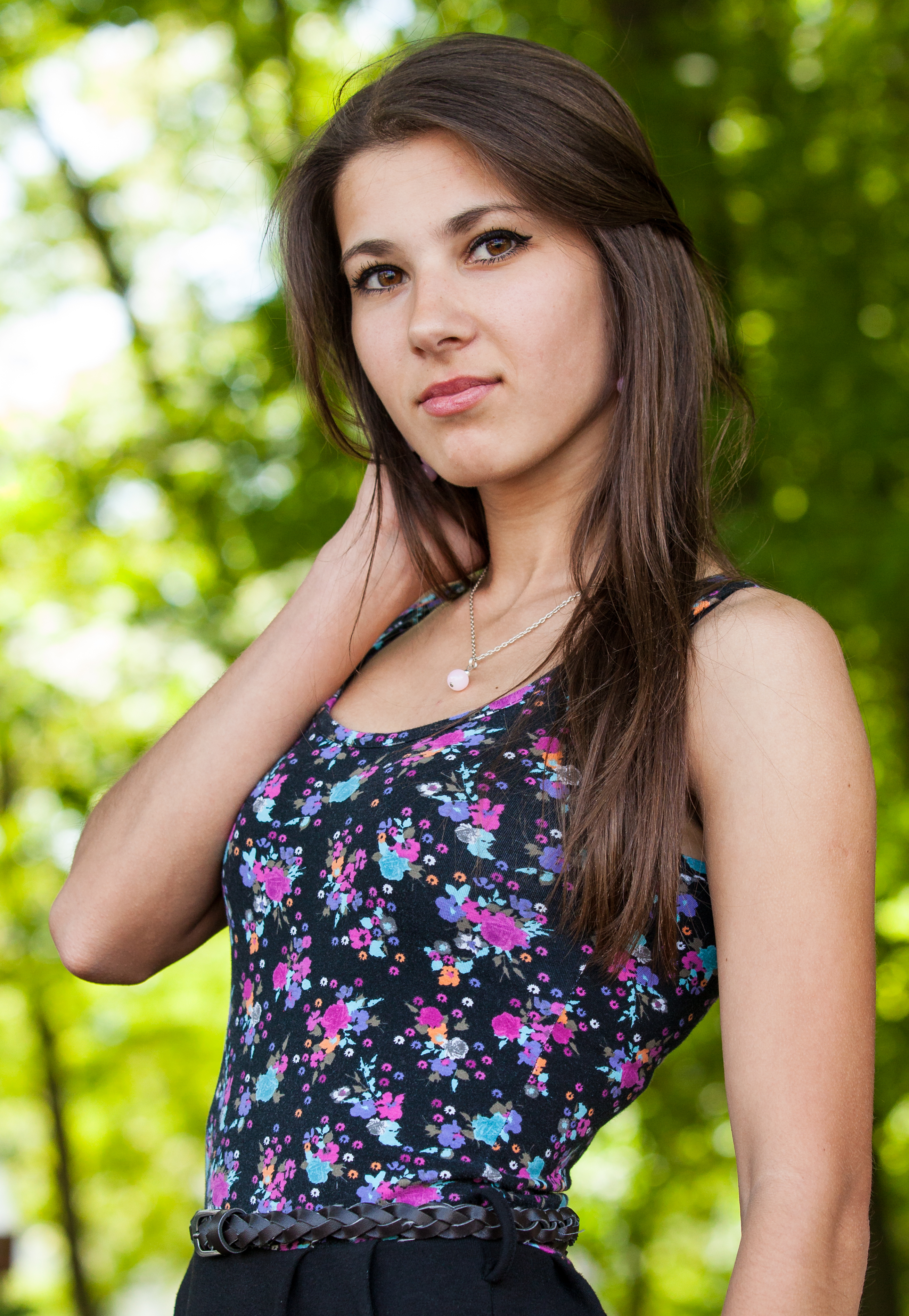 an amazingly beautiful Roman-Catholic girl photographed in May 2014, picture 8/25