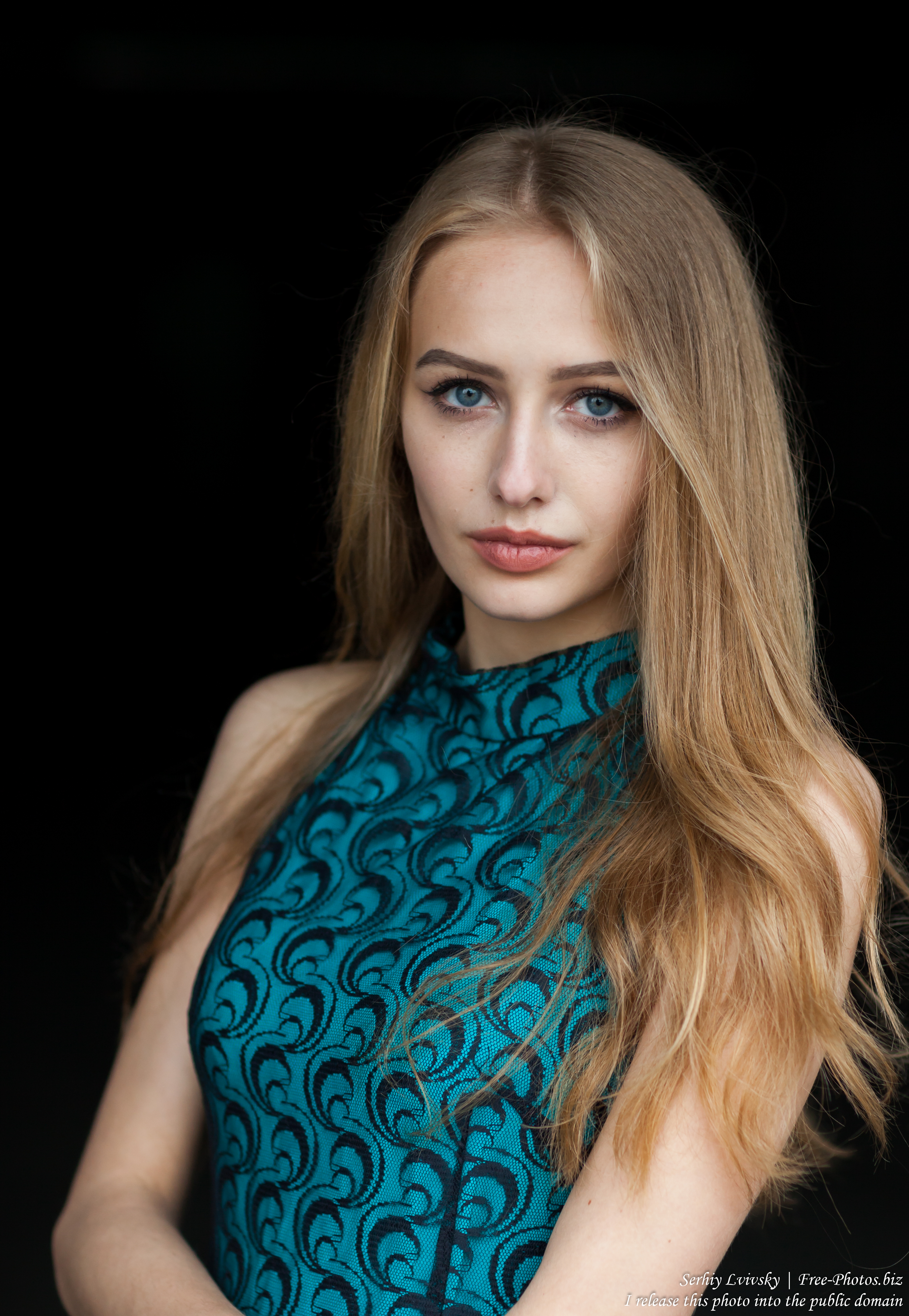 Lila - a 15-year-old natural blonde girl photographed in May 2017 by Serhiy Lvivsky, picture 22