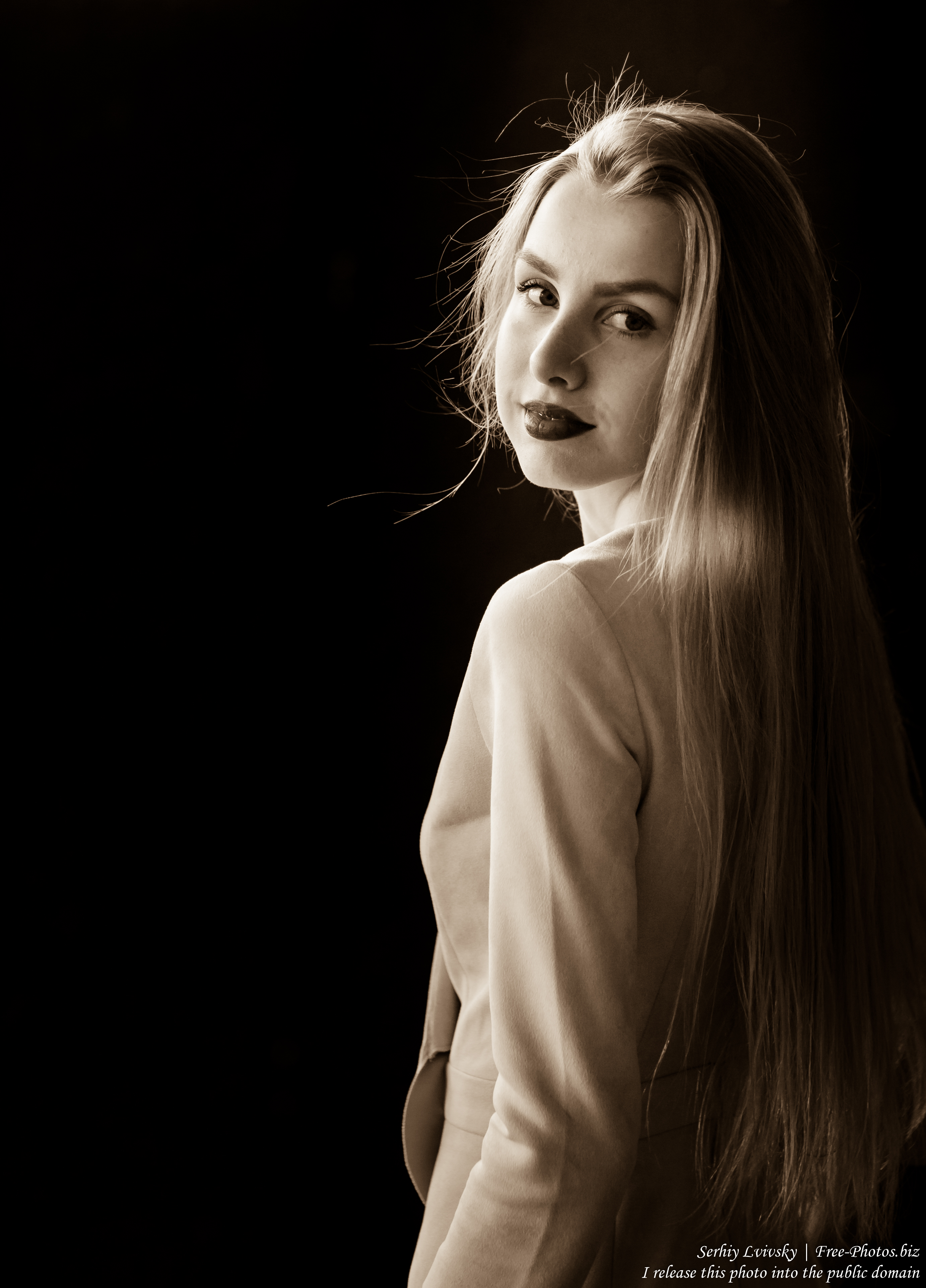 Lila - a 21-year-old natural blond girl photographed in May 2017 by Serhiy Lvivsky, picture 2