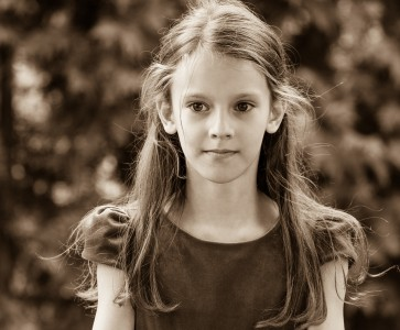 a Christian girl photographed in September 2014, picture 14, black and white