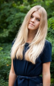 a preteen natural blond girl photographed in August 2016 by Serhiy Lvivsky, picture 9
