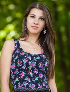 an amazingly beautiful Roman-Catholic girl photographed in May 2014, picture 4/25