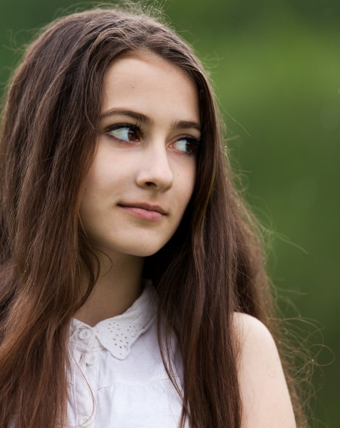 a 13-year-old brunette girl photographed in May 2015, picture 25
