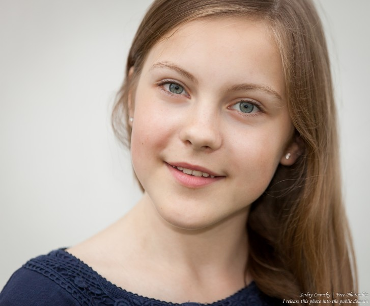 a 13 year old Roman-Catholic girl photographed in July 2015, picture 2