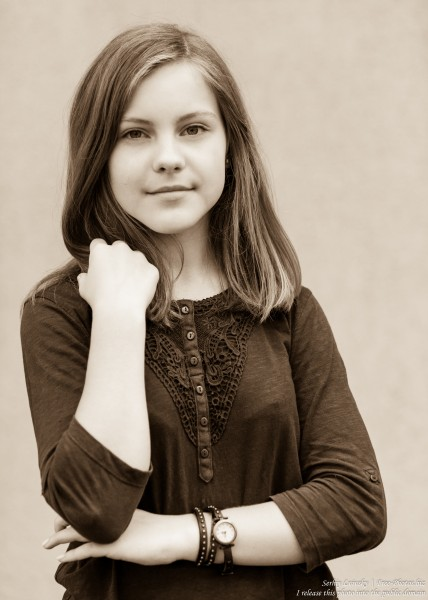 a 13 year old Roman-Catholic girl photographed in July 2015, picture 19