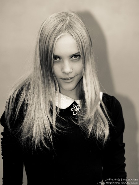 a 15-year-old blond girl photographed in October 2015 by Serhiy Lvivsky, picture 2