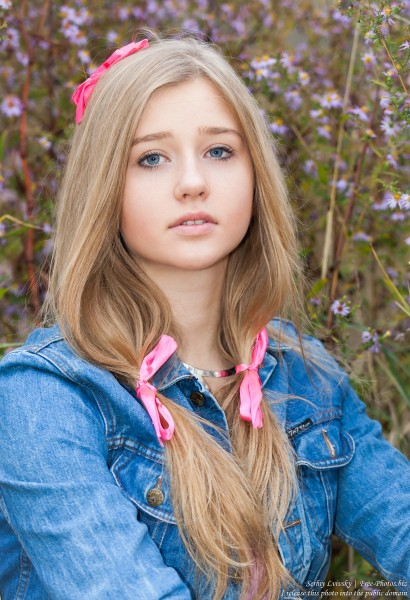 a 17-year-old natural blond girl photographed by Serhiy Lvivsky in November 2015, picture 1