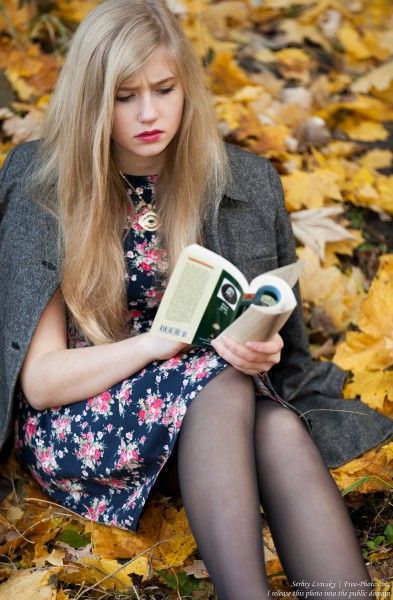 a seventeen-year-old natural blond girl with blue eyes photographed by Serhiy Lvivsky in October 2015, picture 5