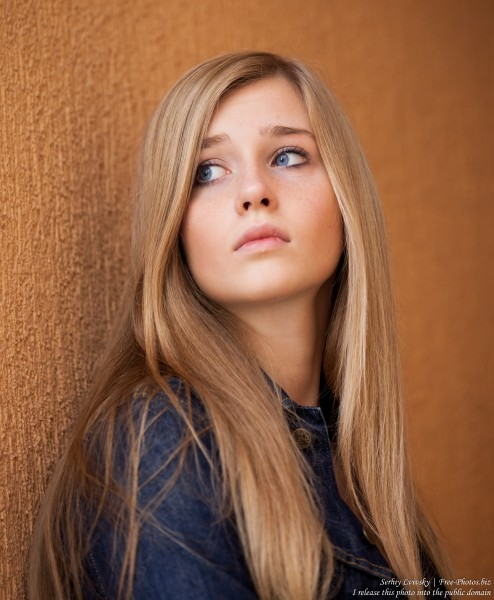 a 17-year-old natural blond girl with blue eyes photographed in October 2015 by Serhiy Lvivsky, picture 1