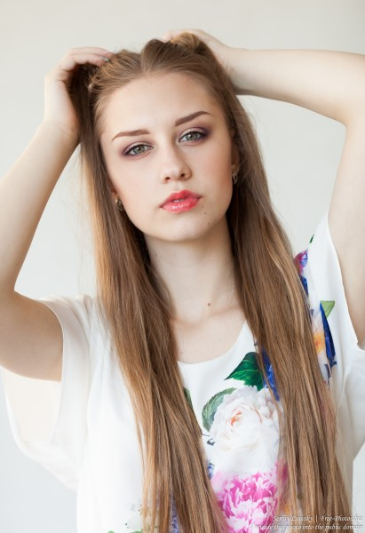 a 17-year-old natural fair-haired girl photographed by Serhiy Lvivsky in July 2017, picture 2