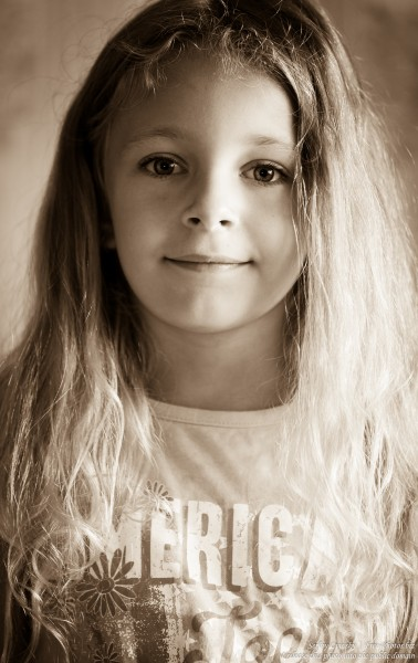 a blond child girl photographed in August 2015 by Serhiy Lvivsky, picture 4