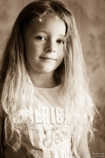 a blond child girl photographed in August 2015 by Serhiy Lvivsky, picture 6