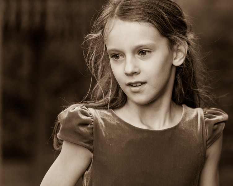 a Christian girl photographed in September 2014, picture 34, black and white
