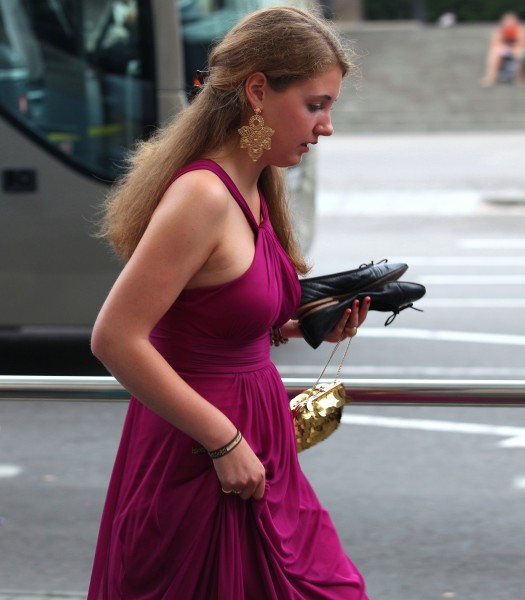 a girl in an evening dress, photographed in August 2013, photo 1/11
