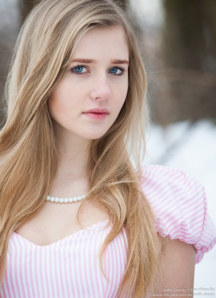 a natural blond 17-year-old girl photographed by Serhiy Lvivsky in January 2016, picture 8