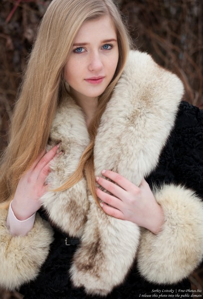a natural blonde 17-year-old girl photographed by Serhiy Lvivsky in January 2016, picture 14