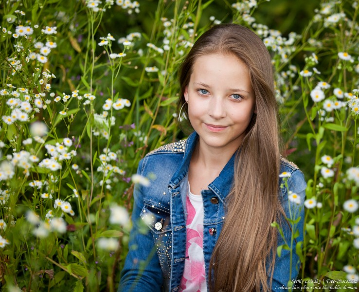 a pretty 13-year-old girl photographed in July 2015 by Serhiy Lvivsky, picture 9