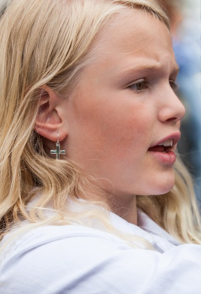 a pretty girl photographed in Uppsala, Sweden in June 2014, picture 11/34