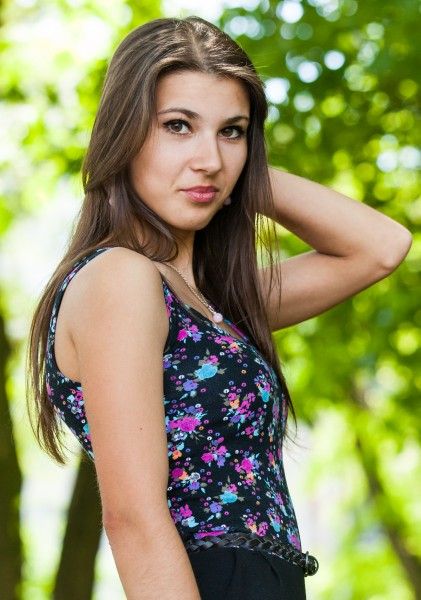 an amazingly beautiful Roman-Catholic girl photographed in May 2014, picture 22/25