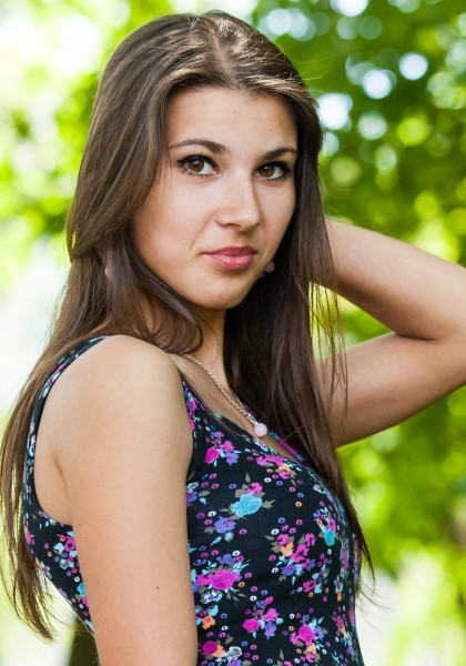 an amazingly beautiful Roman-Catholic girl photographed in May 2014, picture 23/25