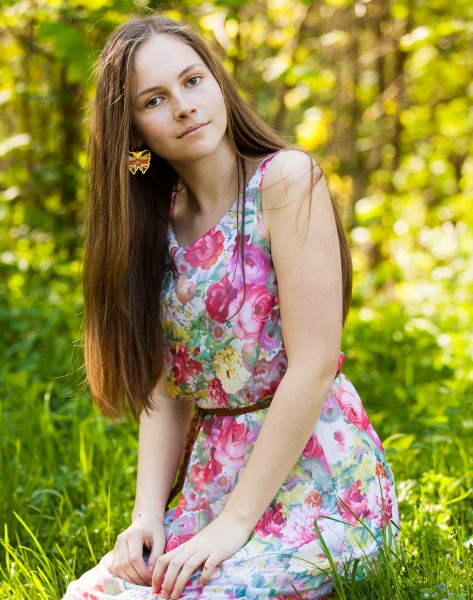 an amazingly photogenic 13-year-old girl photographed in May 2015, picture 21