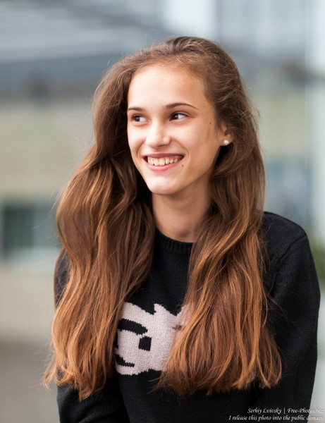 Ania - a 14-year-old girl photographed in October 2017 by Serhiy Lvivsky, picture 3