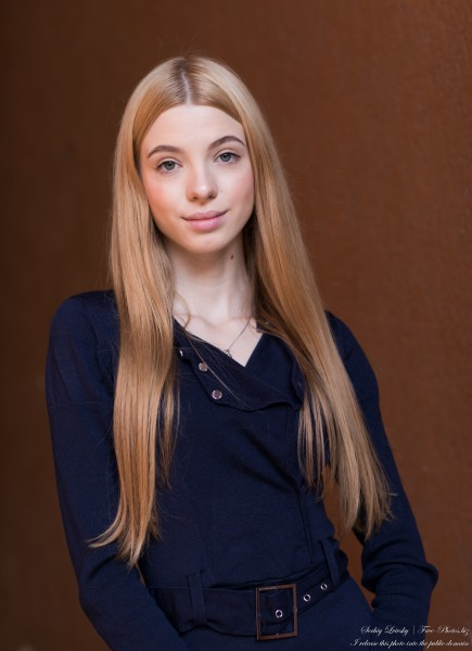 Anna - an 18-year-old girl photographed in October 2020 by Serhiy Lvivsky, picture 18