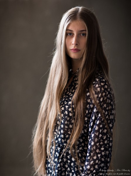 Diana - a 20-year-old girl photographed in July 2020 by Serhiy Lvivsky, picture 4