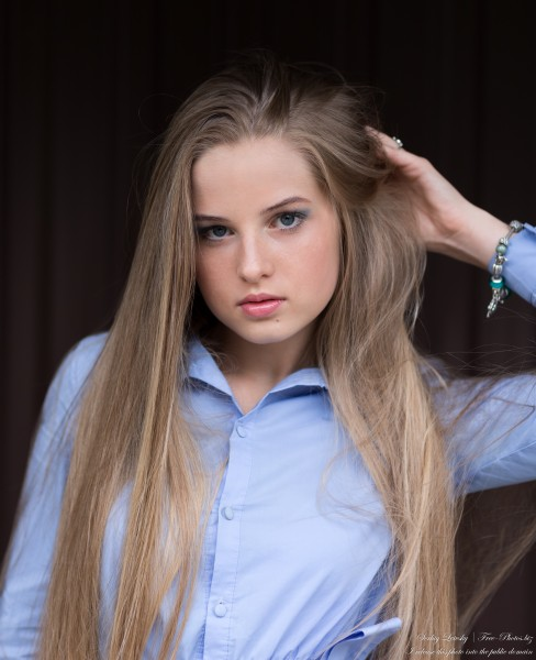 Diana - an 18-year-old natural blonde girl photographed in August 2020 by Serhiy Lvivsky, picture 25