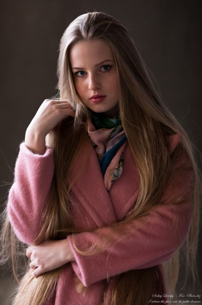 Diana  - an 18-year-old natural blonde girl photographed in October 2020 by Serhiy Lvivsky, picture 11