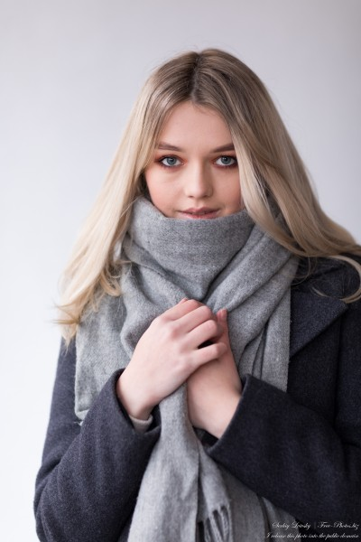 Irena - an 18-year-old girl photographed in December 2020 by Serhiy Lvivsky, picture 2