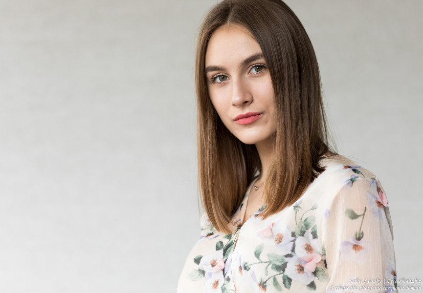 Julia - a 15-year-old girl photographed in July 2019 by Serhiy Lvivsky, picture 8