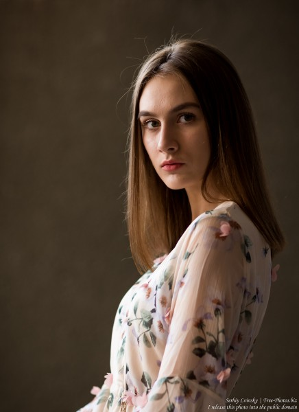 Julia - a 15-year-old girl photographed in July 2019 by Serhiy Lvivsky, picture 12