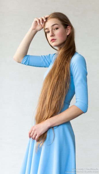 Justyna - a 16-year-old fair-haired girl photographed in June 2018 by Serhiy Lvivsky, picture 2
